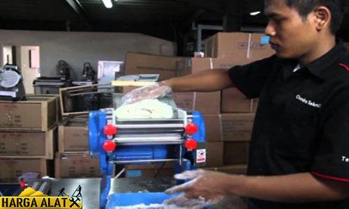 Cara Penggunaan Mesin Pembuat Mie Otomatis