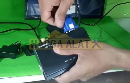 Memasang Kabel VGA