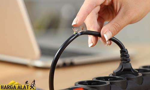 1. Memperbaiki Kabel Terbakar